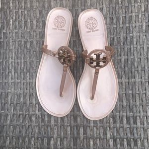 Tory Burch | MINI MILLER FLAT THONG SANDAL